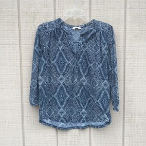 H&M navy & white paisley 3/4 sleeve blouse